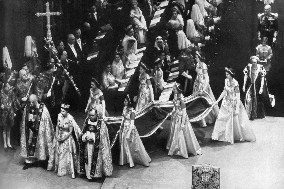 Elizabeth-II-couronnement-juin-1953